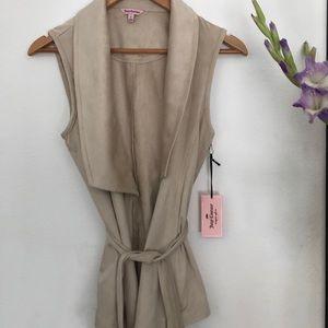 Cute Juicy Couture Vest